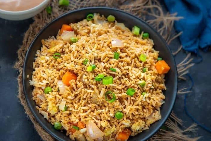 Hibachi Fried Rice Recipe (Step by Step + Video) - Whiskaffair