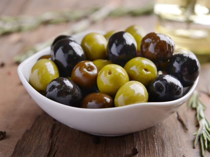 Black Olives and Kalamata Olives: What Is The Difference? – The Kitchen  Community