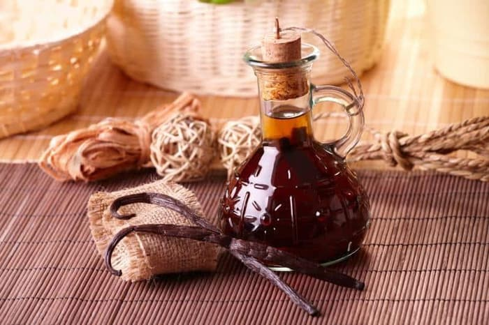 What Does Vanilla Extract Taste Like?