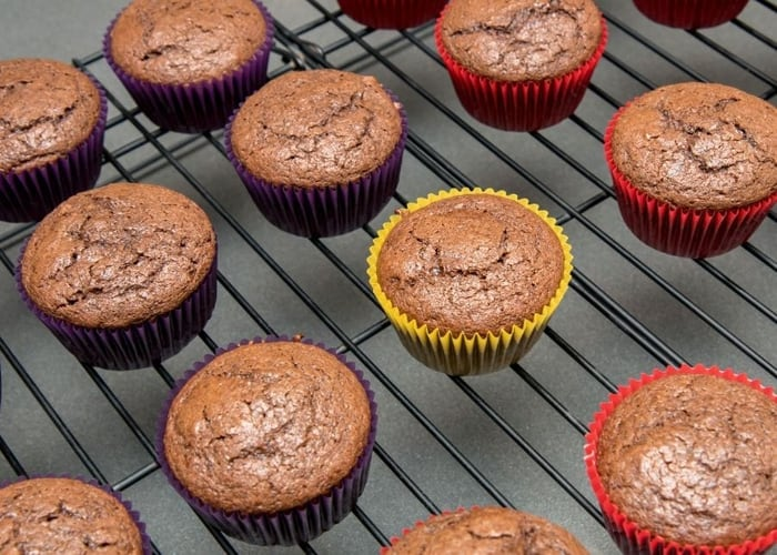 How to Fix Dry Cupcakes (And Prevent It from Happening) - Baking Kneads, LLC