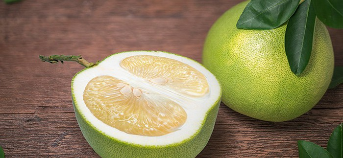 Pomelo Fruit Benefits, Nutrition and How to Eat It - Dr. Axe